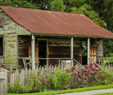 slave-cabin-440349_1920