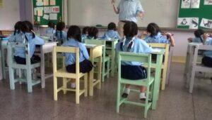 classroom-students-and-teacher