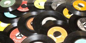 record_music_old_junk_flea_market