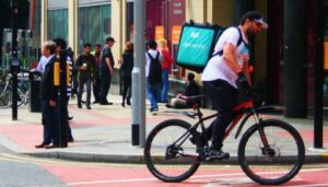 Deliveroo_Cyclist_on_a_Bike_in_Manchester