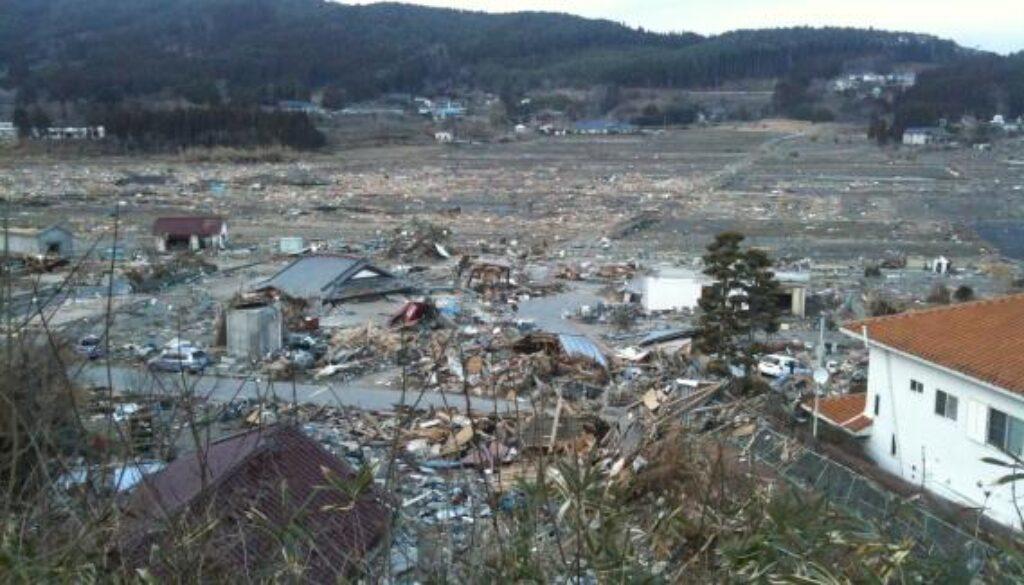 Devastation_after_tsunami_in_Rikuzentakata