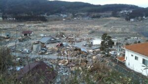Devastation_after_tsunami_in_Rikuzentakata