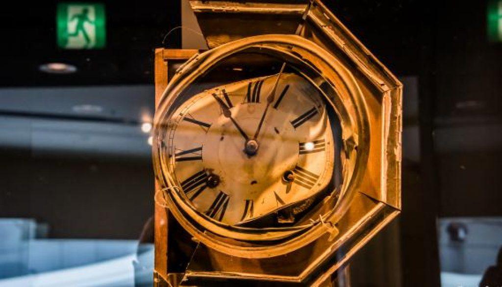 nagasaki clock atomic bomb time 9 aug 45_crop