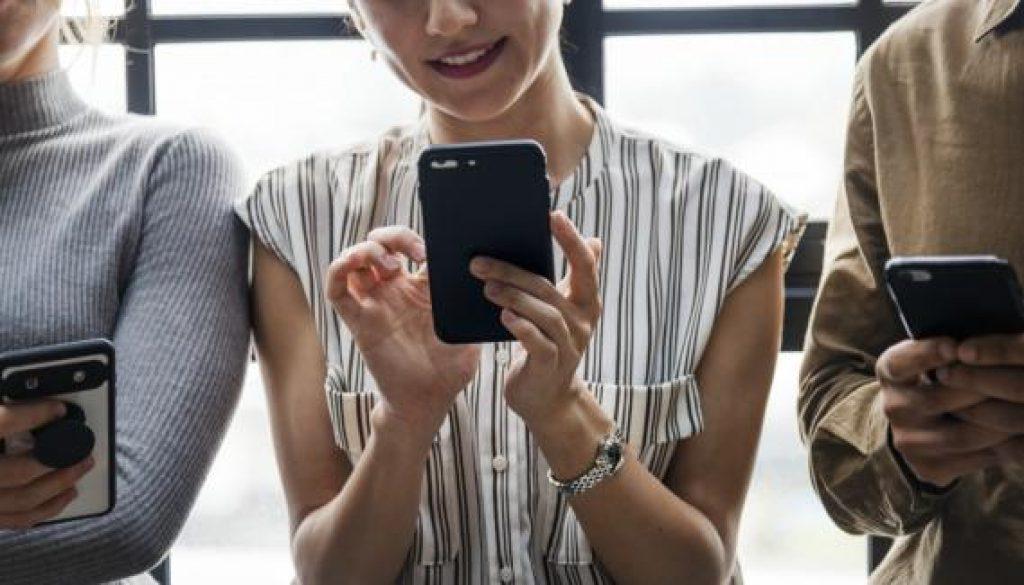social media communication crop